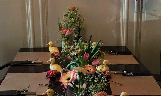 aankleding tafels feest thuis of locatie Angelique Bloemen